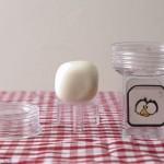 新鲜:这是挤蛋器?能把椭圆鸡蛋变方形