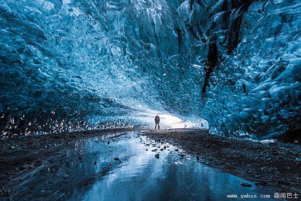 冰岛的冰洞