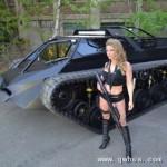 屌爆了!豪华坦克配鸥翼车门售价几十万美元