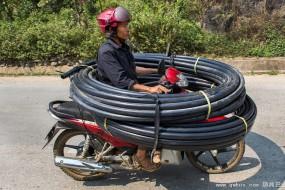 看越南摩托高手是怎么超载的