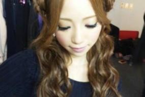 动物风格发型显脸小 日本街头流行熊耳猫耳美女