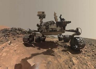 """""""好奇号""""学会低角度自拍:晒与火星岩石合影"""