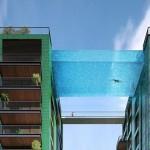 横跨两楼天空泳池挑战你胆量