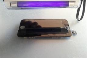 神奇胶水使手机碎屏秒修复