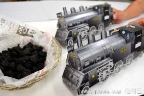 日本推出象煤块一样纯黑色饼干