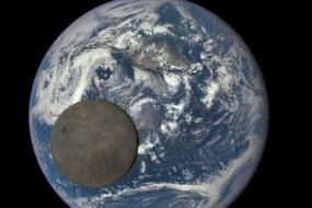 月球横越太平洋照片显示其背面荒凉景象