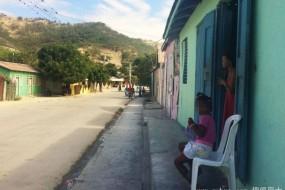多米尼加偏僻小岛儿童发育后经常由女变男