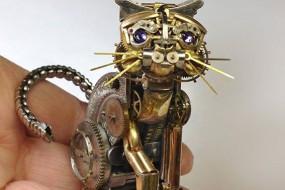 艺术家用旧怀表零件做微雕 巧夺天工