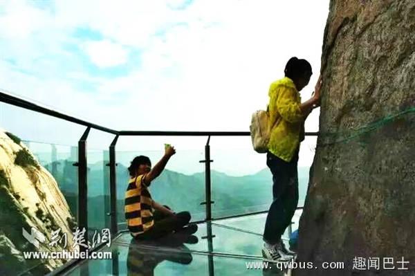 145米高全透明电梯+玻璃栈道:有胆坐吗?-趣闻巴士
