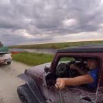 美国一司机开车玩自拍下场惨烈