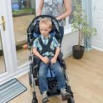 英3岁男童患罕见遗传病身高达1.2米
