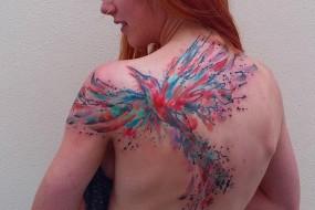 艺术家创作超炫水彩纹身 每天只见一名客户