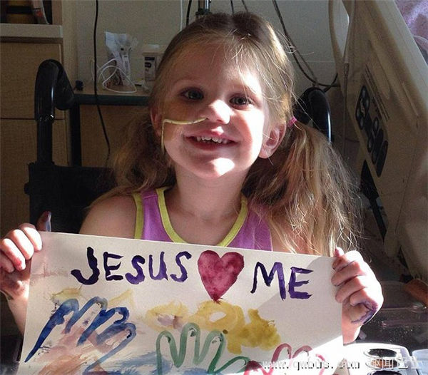 奇迹!美国一女孩溺水心跳停止12分钟后复活-趣闻巴士