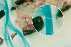 国际空间站宇航员拍地球美景 竟捕捉到飞机掠影