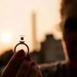 设计师用雾霾中的碳颗粒打造宝石戒指