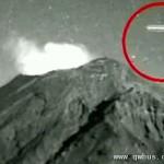 墨西哥火山上空现不明飞行物