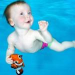 天生水陆两栖?宝宝初潜水表情看呆了
