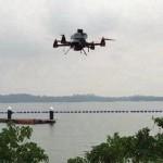 新加坡无人机成功试飞 投送信件和T恤