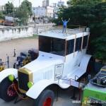 印度设计师打造15米长巨型汽车