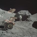 NASA发布大量人类首次登月照清晰照
