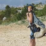 从裸体跳伞到吃老鼠:澳洲人度假爱冒险