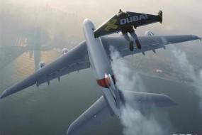 喷气飞人与飞机在高空共舞