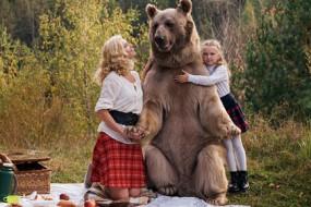 吃素棕熊蠢萌成美女大玩具
