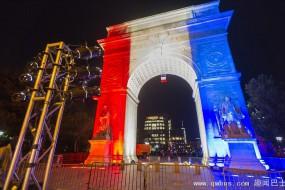 """全球知名地标点亮""""法国色"""" 为巴黎祈福"""