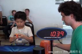 巴西七岁幼童8.72秒拼好魔方创纪录