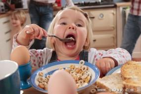 吃健康早餐的小学生成绩更好