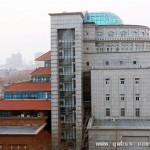 郑州校园奇特建筑:一半中式一半欧式