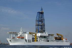 大洋底钻孔:人类首次打穿地壳与地幔边界