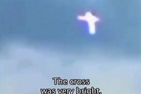 乌克兰上空出现发光十字架