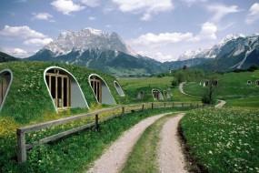 冬暖夏凉的现实版霍比特人绿色小屋