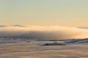 新疆罕见低云层奇观 云在地面翻滚