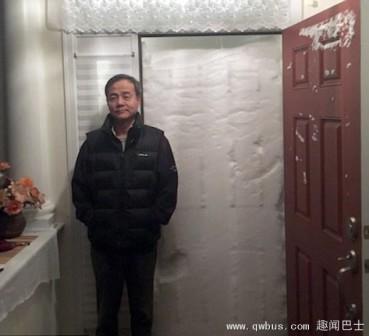 雪墙堵门使居民无法出行