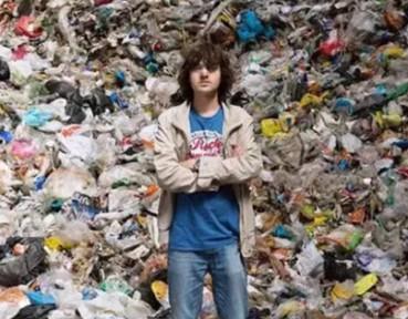 小伙辍学欲用10年清理半个太平洋垃圾