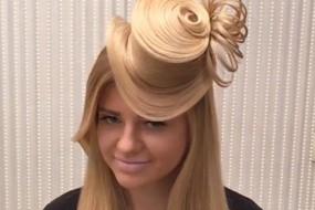 俄发型师用头发编织礼帽