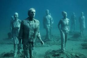 水下博物馆布置展品 400个雕像入驻