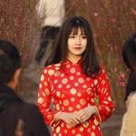 越南长发美女惊艳桃花园