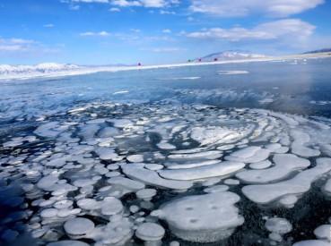 新疆海拔最高湖泊赛里木湖冰花奇观令人叹为观止