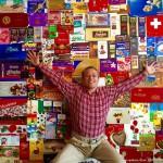 收藏狂收集5000多种巧克力包装纸 创吉尼斯纪录