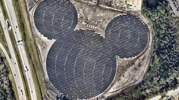 美国发电站用太阳能面板拼出巨大米老鼠