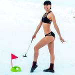 澳洲女子冰岛冰天雪地拍比基尼照