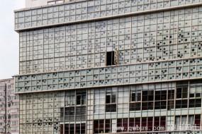 上海洞洞大楼四面千疮百孔