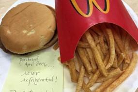 麦当劳汉堡十年不变质  网友哗然