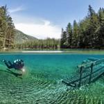 潜水者拍奥地利翠湖湖底公园神秘美景