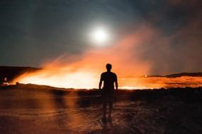 实拍非洲火山边 地狱之门的挖盐工