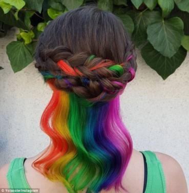 超炫彩虹色染发引爆社交网站