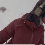 女孩自拍滑雪视频事后才发觉险被黑熊扑倒